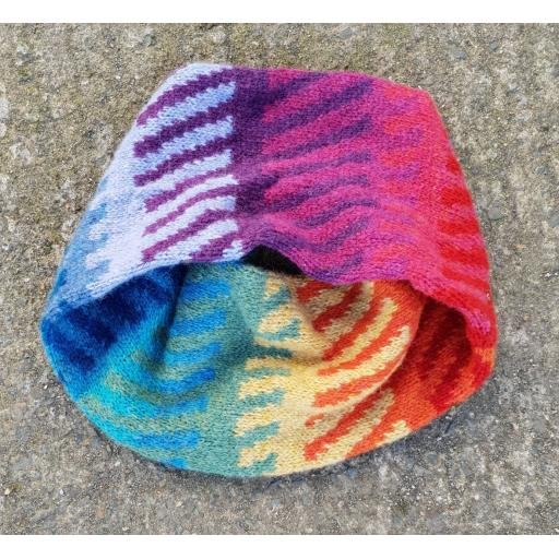 Jointed Rainbow Cowl Pattern